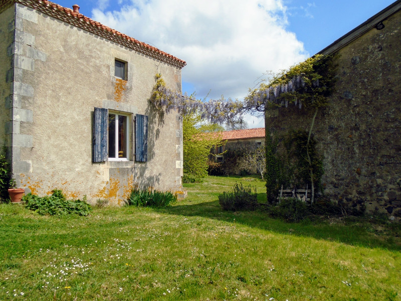 French property for sale in Luchapt, Vienne - €267,500 - photo 4