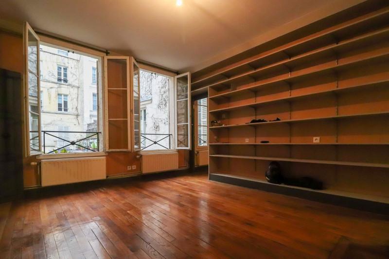 Appartement à vendre à Paris 3e Arrondissement, Paris - 990 000 € - photo 2