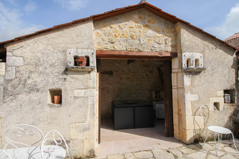 French property for sale in Ruelle-sur-Touvre, Charente - €227,900 - photo 10