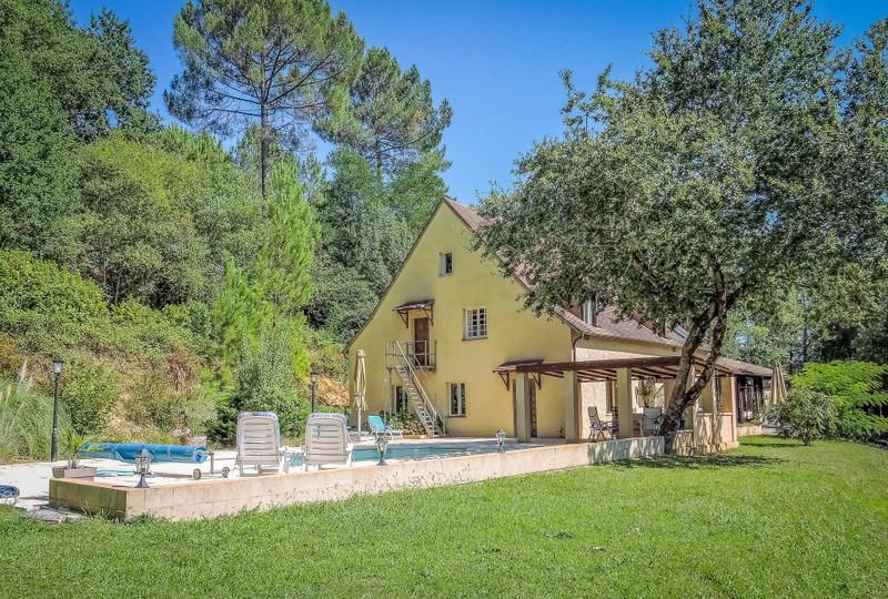 French property for sale in Saint-Léon-sur-Vézère, Dordogne - €449,000 - photo 2