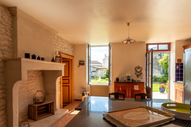 French property for sale in Gourvillette, Charente-Maritime - €194,400 - photo 5