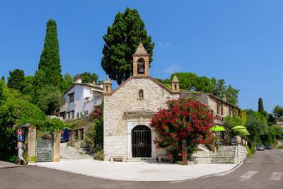Unique Mas Provençal in historical Saint Paul de Vence, a mere stone's throw from the village centre