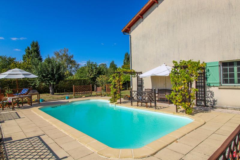 French property for sale in Peyrat-de-Bellac, Haute-Vienne - €280,000 - photo 2