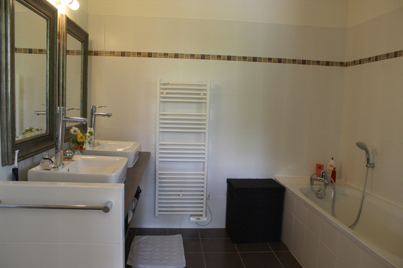 French property for sale in Salles, Gironde - €275,600 - photo 6