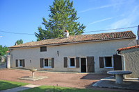 French property, houses and homes for sale inEmpuréCharente Poitou_Charentes