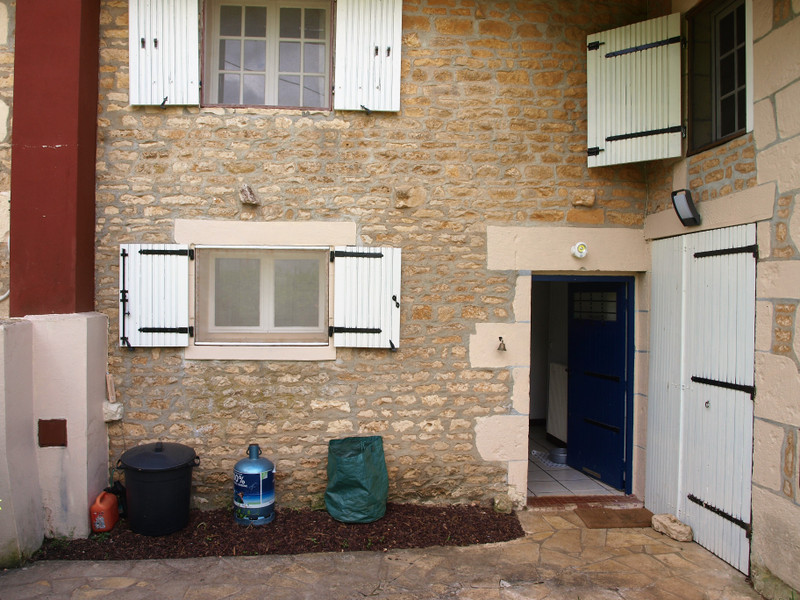 French property for sale in Lorigné, Deux-Sèvres - €82,999 - photo 3