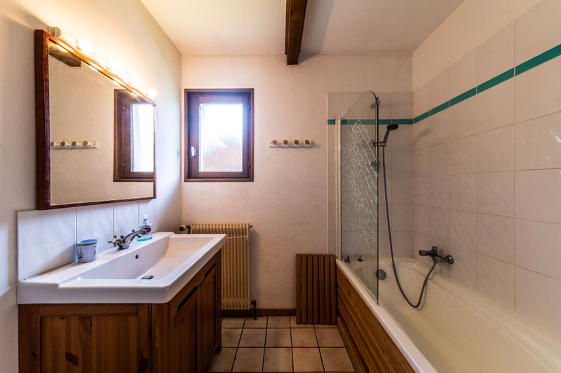 French property for sale in Morzine, Haute-Savoie - €575,000 - photo 10