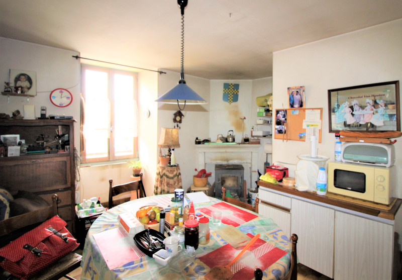 French property for sale in Tusson, Charente - €36,000 - photo 4