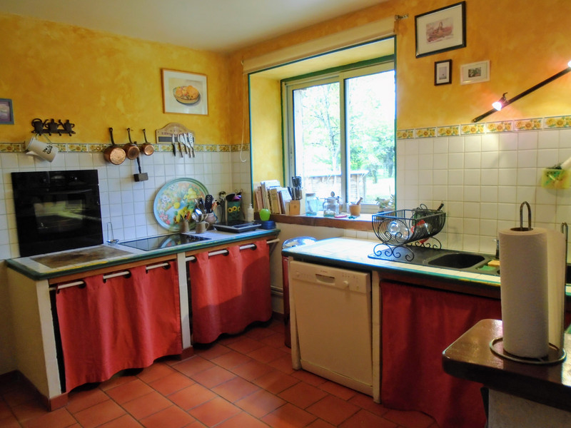 French property for sale in Luchapt, Vienne - €267,500 - photo 5