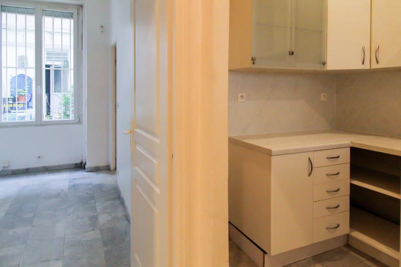 French property for sale in Paris 11e Arrondissement, Paris - €530,000 - photo 6