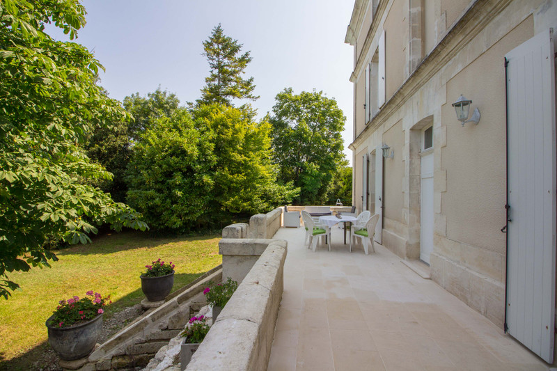 French property for sale in Angoulême, Charente - €572,250 - photo 2