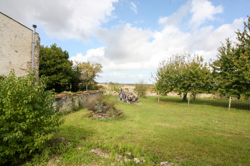 French property for sale in Lozay, Charente-Maritime - €214,000 - photo 2