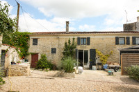 French property, houses and homes for sale in Saint-Georges-de-Longuepierre Charente-Maritime Poitou_Charentes