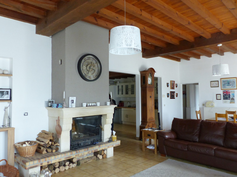 French property for sale in Brossac, Charente - €172,800 - photo 3