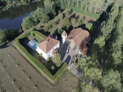 French property for sale in Lédat, Lot-et-Garonne - €636,000 - photo 2
