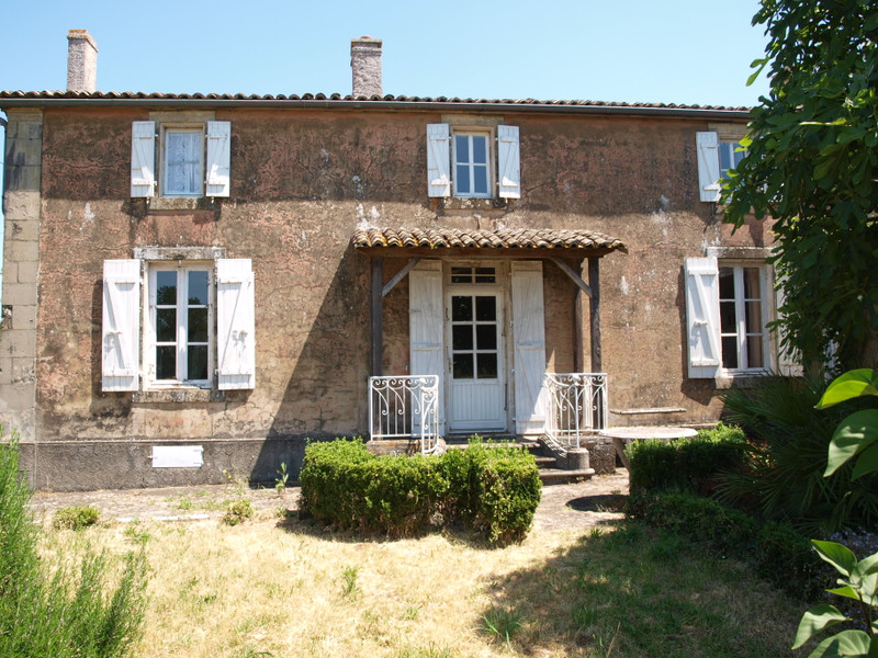 French property for sale in Melle, Deux-Sèvres - €144,950 - photo 1