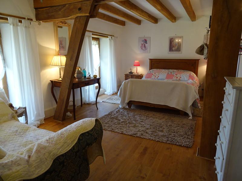 French property for sale in Saint-Jory-de-Chalais, Dordogne - €299,600 - photo 9