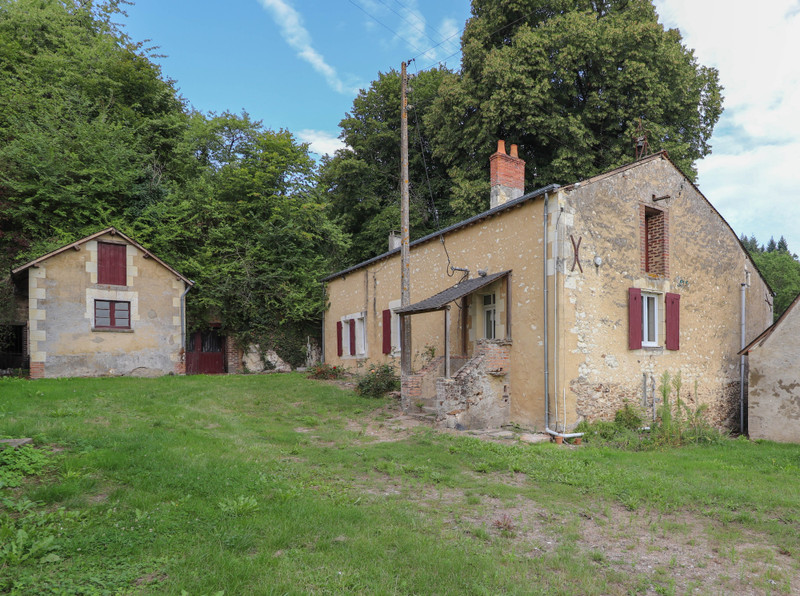 French property for sale in Aubigné-Racan, Sarthe - €199,800 - photo 2