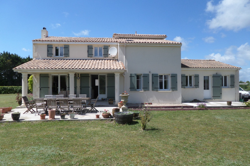 French property for sale in Pons, Charente-Maritime - €460,000 - photo 6