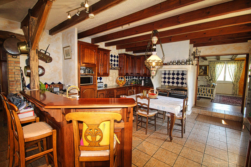 French property for sale in Mouterre-sur-Blourde, Vienne - €316,495 - photo 4