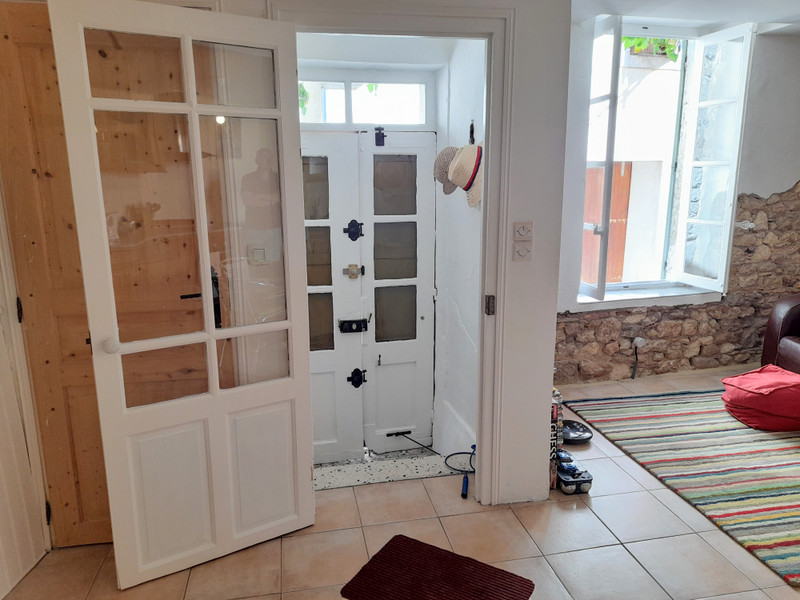 French property for sale in Magalas, Hérault - €89,500 - photo 3