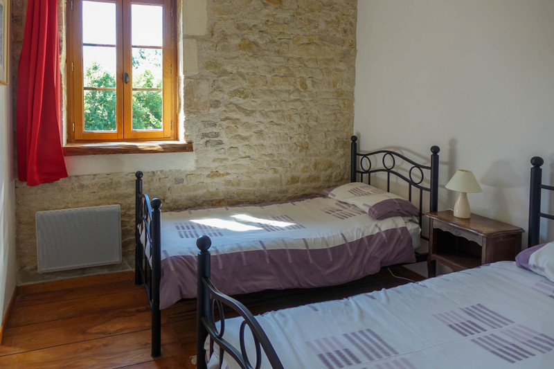 French property for sale in Saint-Crépin, Charente-Maritime - €444,999 - photo 3