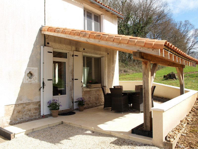 French property for sale in Lorigné, Deux-Sèvres - €199,800 - photo 2