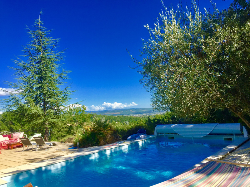 French property for sale in Pierrevert, Alpes-de-Hautes-Provence - €699,600 - photo 2