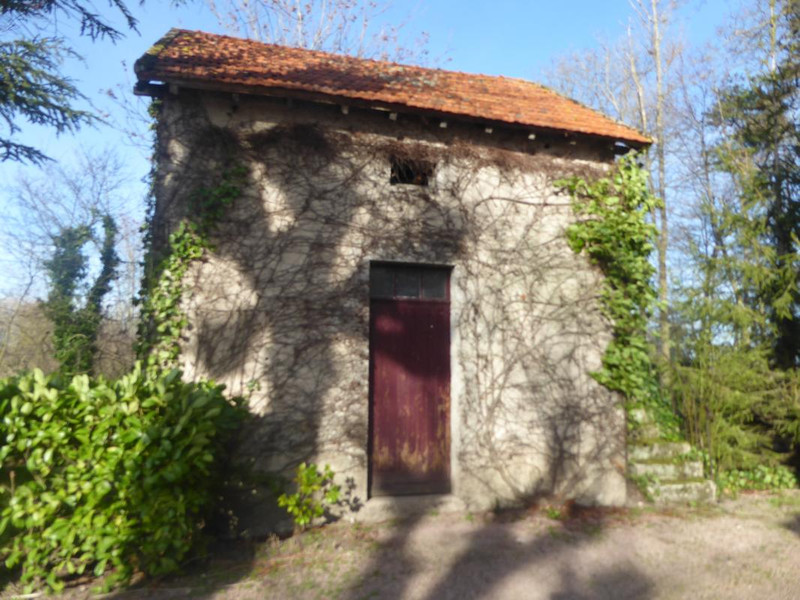 French property for sale in Saint-Gérand-le-Puy, Allier - €595,000 - photo 6