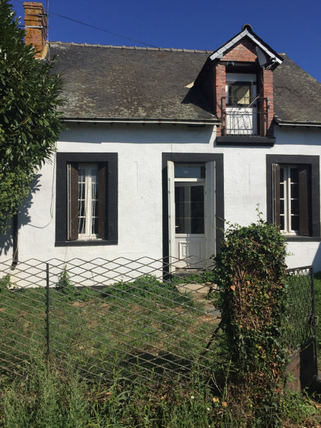 French property for sale in La Selle-Craonnaise, Mayenne - €66,600 - photo 8