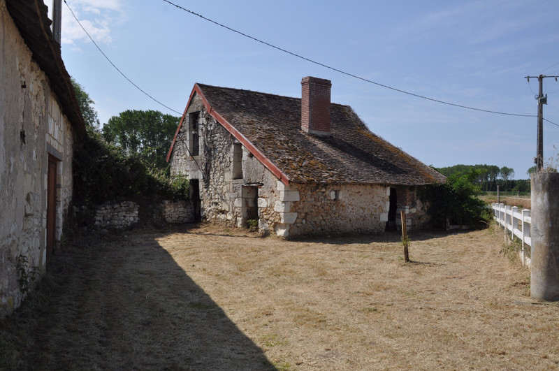 French property for sale in Gizeux, Indre-et-Loire - €229,995 - photo 3