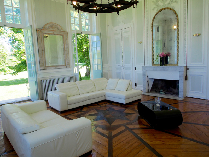 French property for sale in Puybarban, Gironde - €949,995 - photo 4