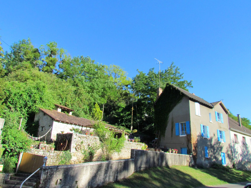 French property for sale in Antigny, Vienne - €77,000 - photo 2