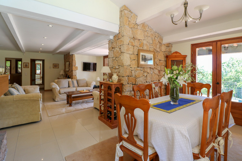 French property for sale in Le Tignet, Alpes Maritimes - €900,000 - photo 4