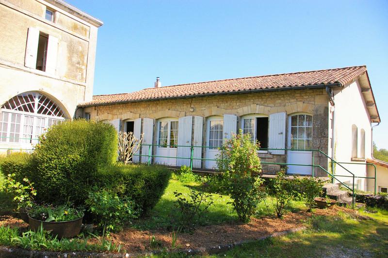French property for sale in Saint-Romans-lès-Melle, Deux Sevres - €267,500 - photo 3
