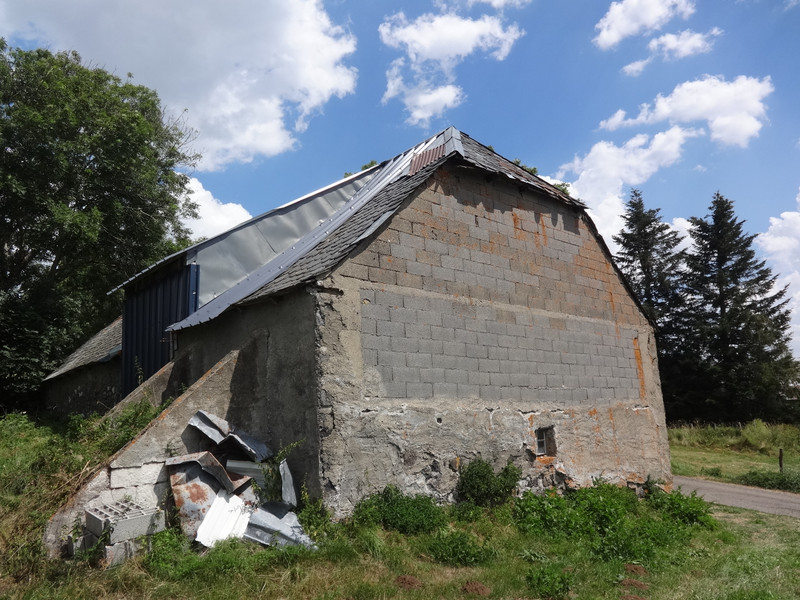 French property for sale in Landeyrat, Cantal - €46,600 - photo 2