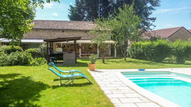 French property for sale in La Chapelle-Moulière, Vienne - €374,975 - photo 1