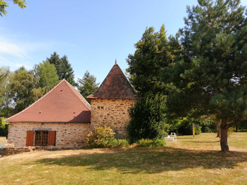 French property for sale in Mialet, Dordogne - €151,200 - photo 2