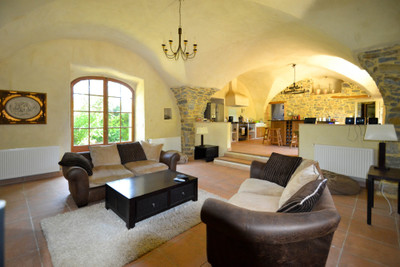 Beautifully restored stone Maison de Maître with land and swimming pool, close to Anduze
