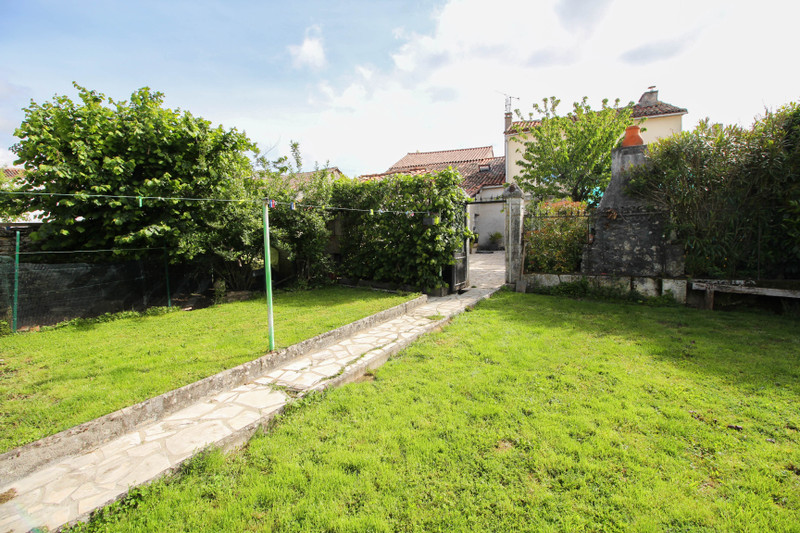 French property for sale in Ruelle-sur-Touvre, Charente - €227,900 - photo 9